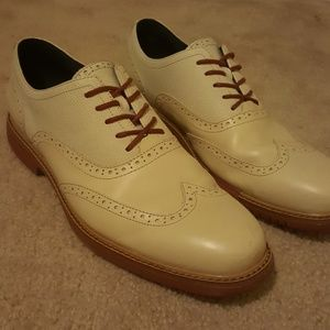 Cole Haan sz 10 off White Cream wingtip shoes
